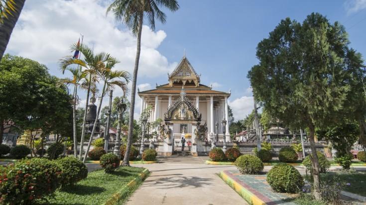 Find Wat Bo Vil Temple in the city center of Battambang