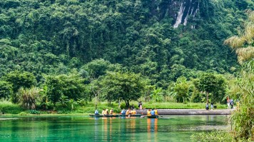 On a 7 days in Vietnam tour, visit places such as Trang An