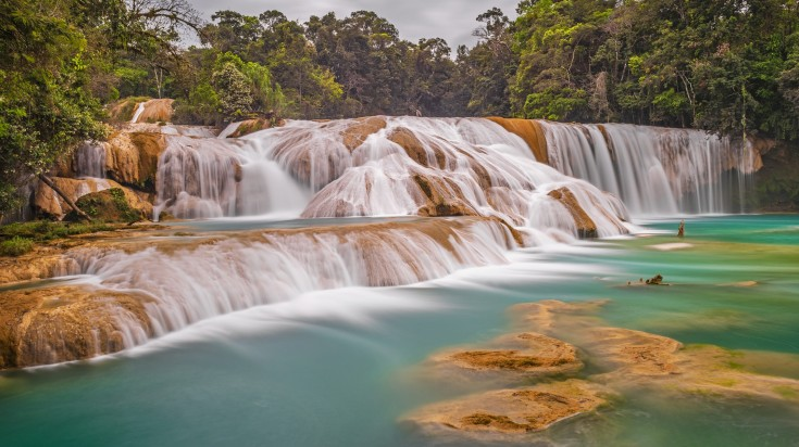 Located in the Xanil river, the Agua falls is a collection of waterfalls.