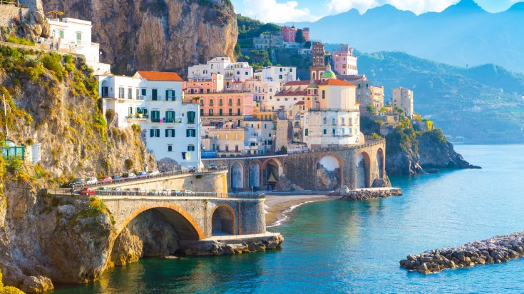 If you're somehow tired of Tuscany's rolling hills, the Amalfi Coast is one of the best places in Italy to visit due to the change of scenery you need.