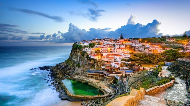 Azenhas do Mar is a seaside town of Sintra in Portugal.