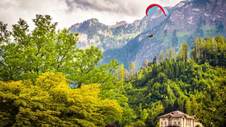 Paragliding in Interlaken