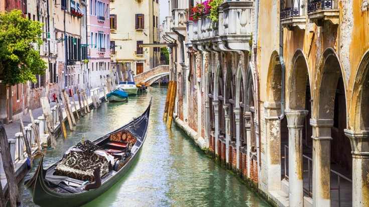 The Grand Canal offers a facility of exploring the city in a gondola ride a must add on your 10 day Italy itinerary.