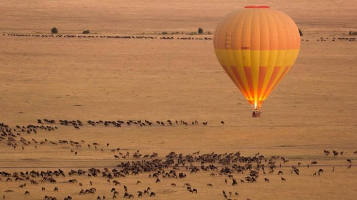 Balloon safari in the Serengeti National Park