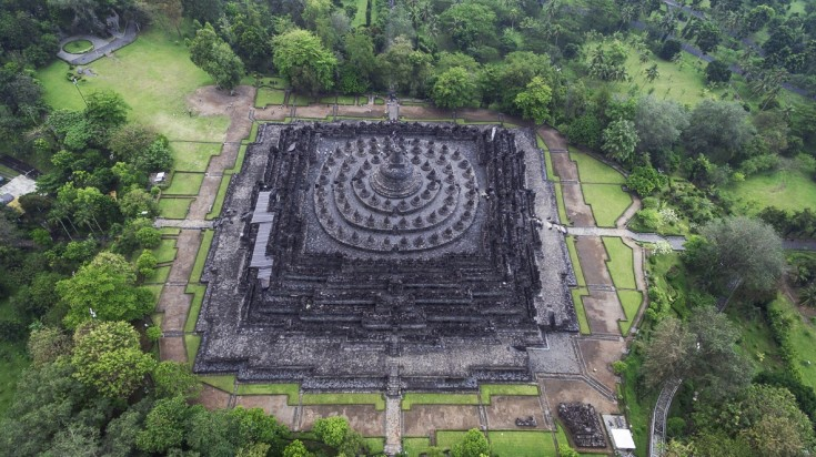 Borobudur is a pyramid shaped Indonesian temple.