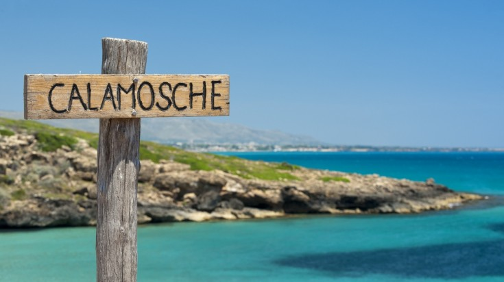 Best beaches in Sicily, in choosing the best Calamosche is ideal to swim.