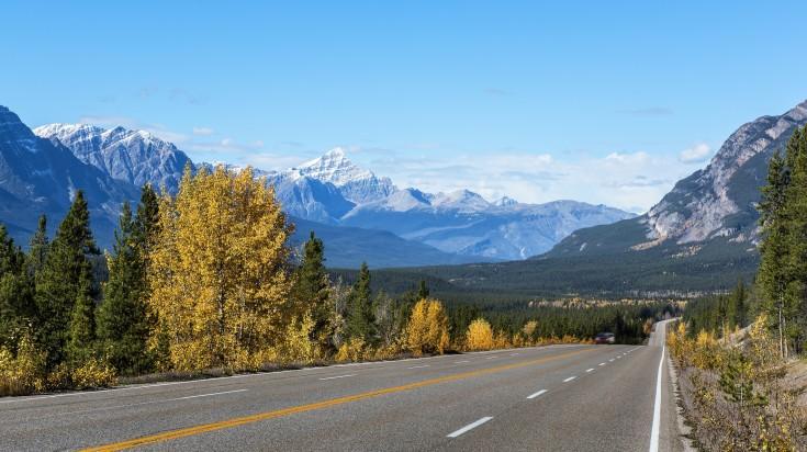 Icefields Parkways in Canadian Rockies