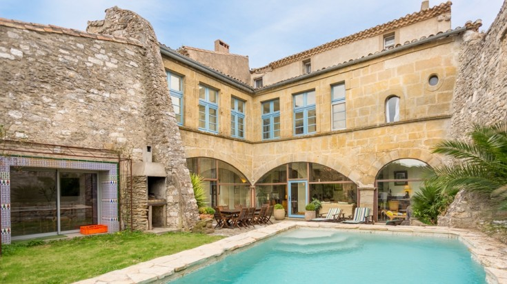 Chateau Asturias with a pool in Carcassonne in France
