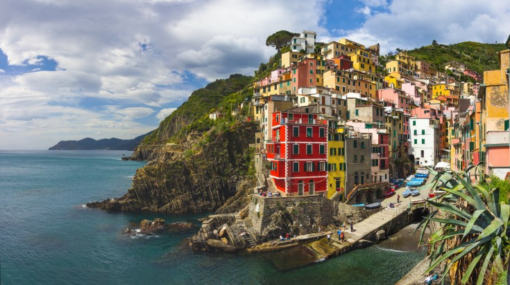 Visiting Cinque Terre should be one of the things to do in Italy for every outdoor enthusiasts.