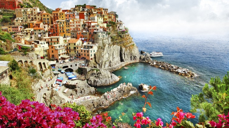 It is a must that you visit Cinque Terre when you explore Italy in a week.