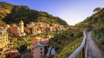 Hiking in Italy via Cinque terre trail