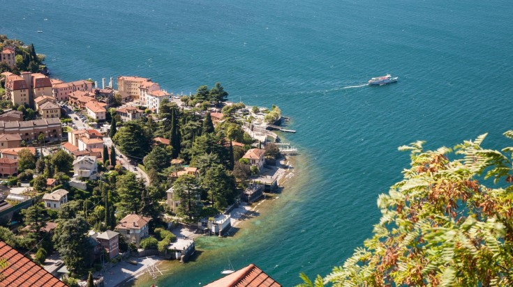 Among various things to do in Italy, one should definitely pay a visit to the lake district of Italy.