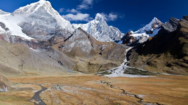 Cordillera Huayhuash Circuit trek is one of the most difficult treks in Per