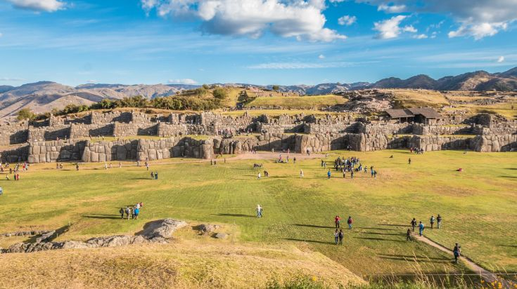 Visiting Sacsayhuaman is one of the things to do in Cusco.