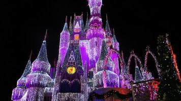 Disney castle at Disneyland Florida is perfect for family holiday