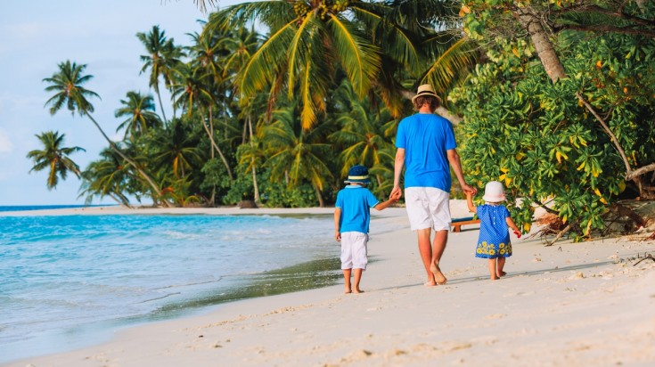 A family vacationing in Costa Rica's beaches