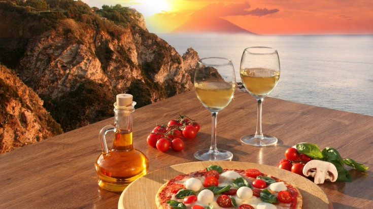 The Calabrian cuisine is well enjoyed with a pair of local white wine.