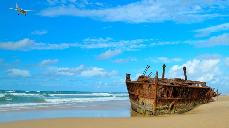 Visit the shipwreck on a Fraser Island Day tour