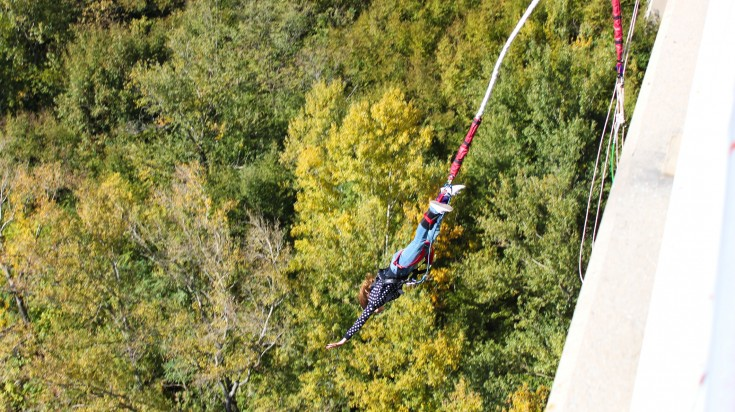 Bungee jumping in Garden Route National Park