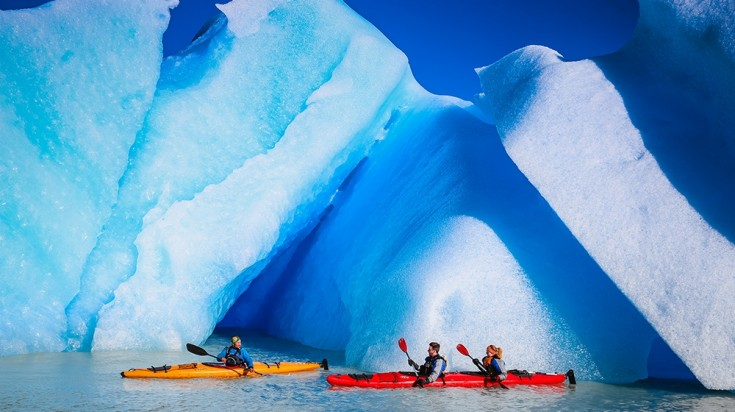 Kayaking tours in glacier grey