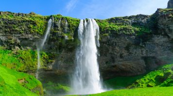 A tour of Golden Circle is incomplete without visiting Seljalandsfoss
