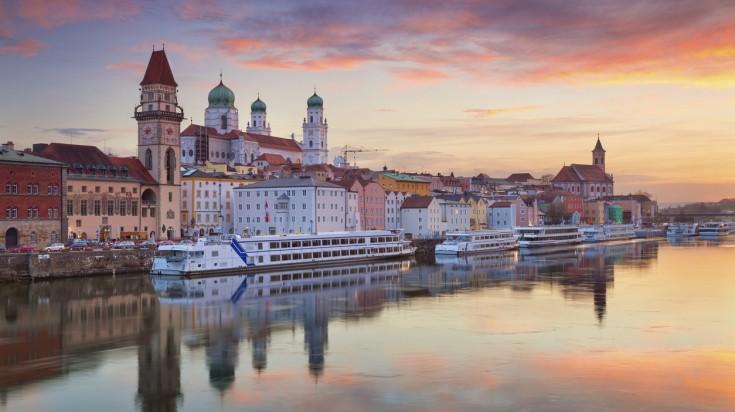 Goldsteig hiking trail finishes at Passau