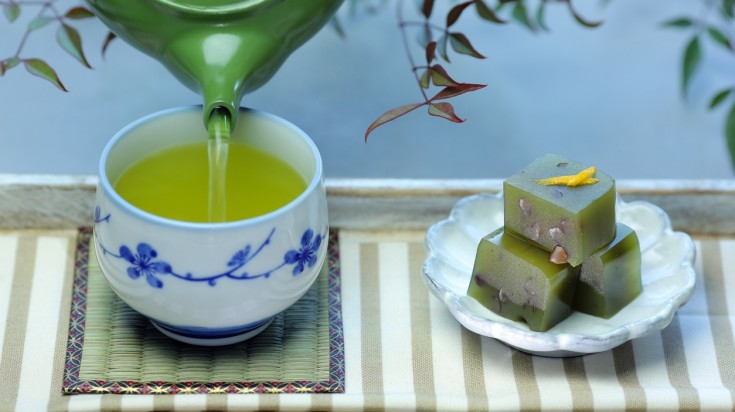 There are various delicious sweets designed to pair perfectly with tea.