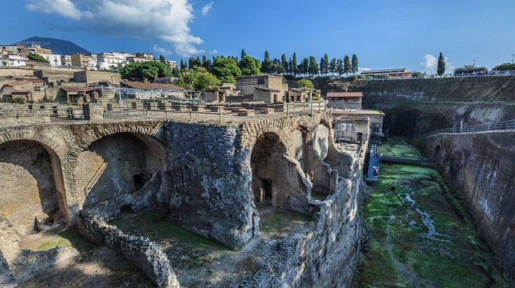 Herculaneum is a town smothered by the volcanic ash of Mount Vesuvius.