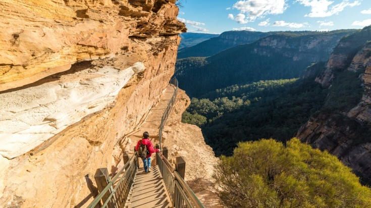 One of the many things to do in Blue Mountains is to go hiking.