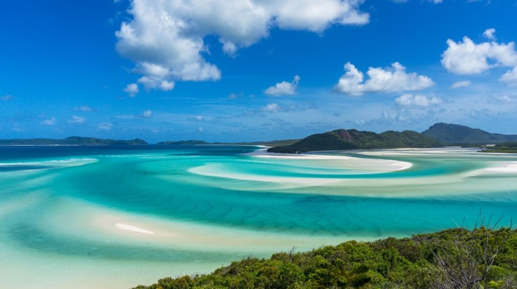 Visit Whitehaven beach on a honeymoon in Australia
