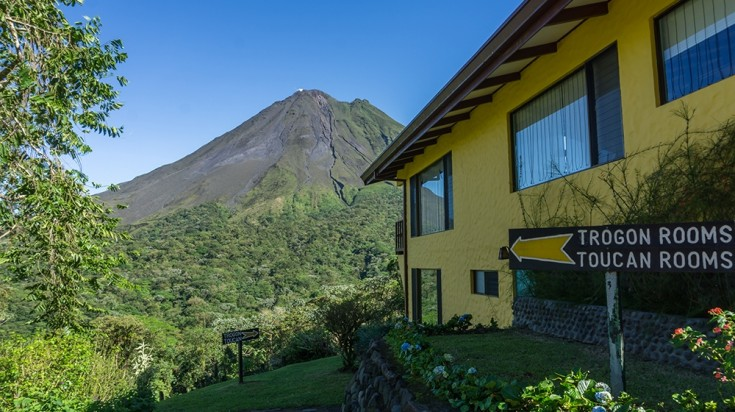 This hotel in Arenal has a lot of amenities that you can enjoy.