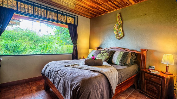 Best Hotels in Arenal include Encantada Guest House