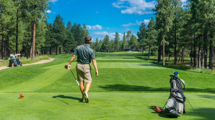 Golfing is a leisurely activity in Hunter Valley