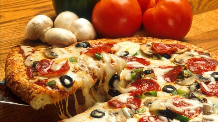 Famous Italian Food: Speak of one and pizza tops the list