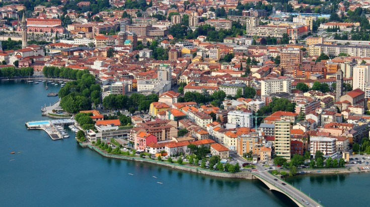 Offering spectacular scenery and charming towns, Lake Como is a must visit.