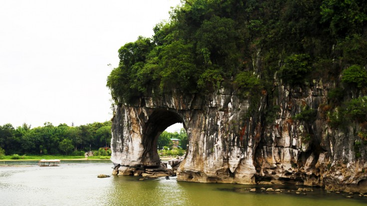 Elephant Trunk Hill is the main attraction you see during Li River Cruise