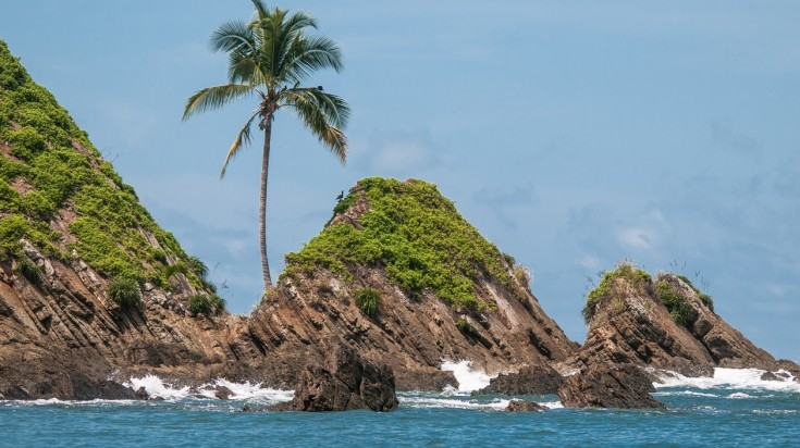 Marino Ballena National Park has the Tres Hermanas islands to be explored.