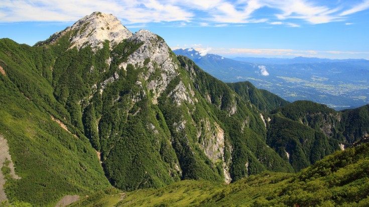 Mount Komagatake, a holy mountain in Hakone is also visited if you opt to take the Japan Golden Route.