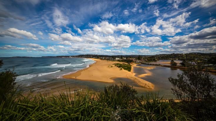 Narrabeen beach for surfing in Sydney