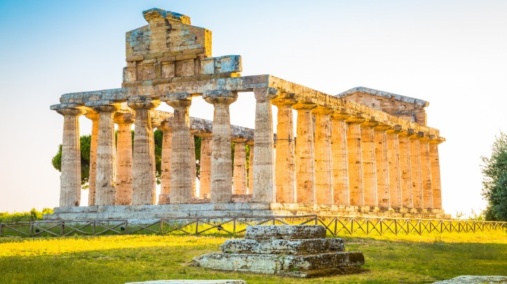 If you'e looking to spend 10 days in Italy you should visit Paestum, an enchanting archaeological site in Italy.