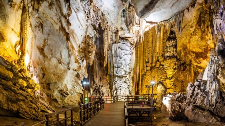 Paradise cave at Quang Bin