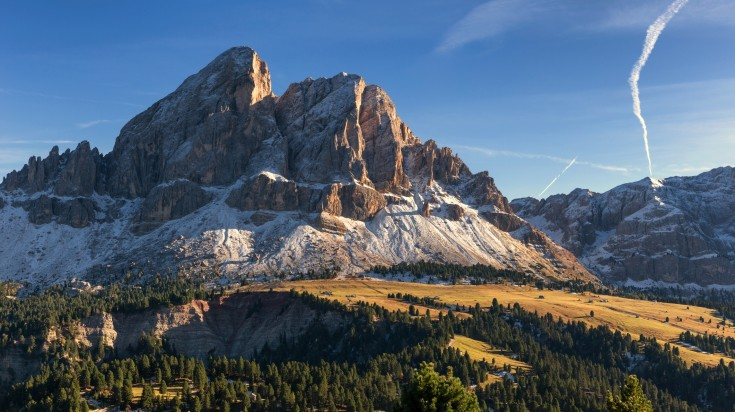 If you're looking for one of the best hikes in the Dolomites then look no further than the Peitlerkofel circular hiking trail.