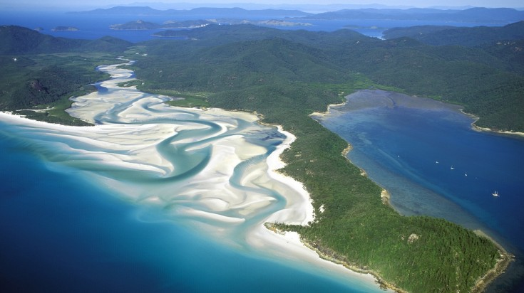 Whitehaven beach is one of the best places to visit in australia