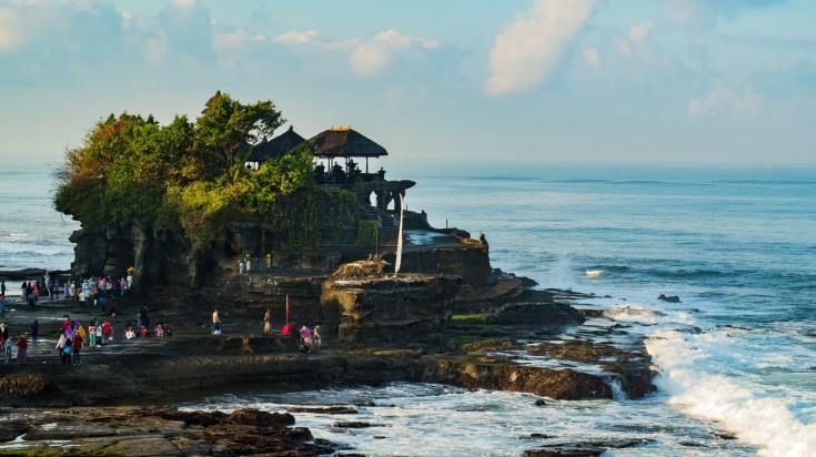 Pura Tanah Lot is one of the most popular Indonesian temples.