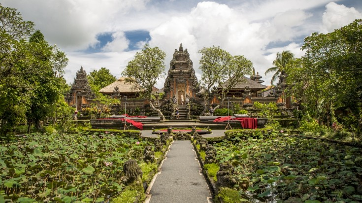 Thing to do in Ubud also includes a visit to the Saraswati temple.