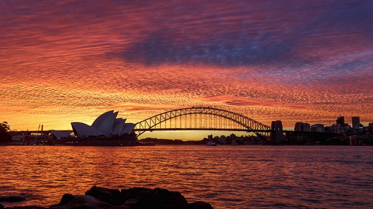 Besides diving in Sydney, you can also enjoy the beautiful landscapes.