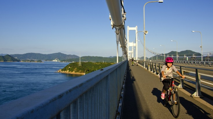 It offers cyclists a scenic 70 km ride with beautiful views of the Seto Inland Sea and plenty of attractions to stop off at.