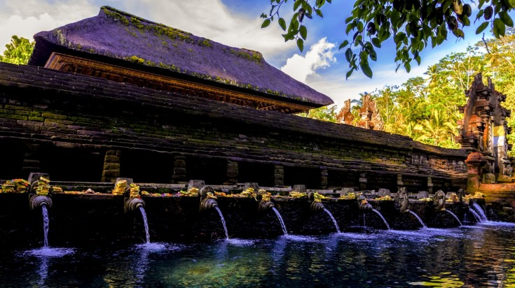 Visiting Pura Tirta Empul is one of the best things to do in Bali