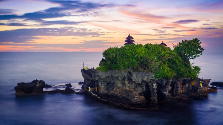 Visiting Tanah Lot temple is one of the best things to do in Bali