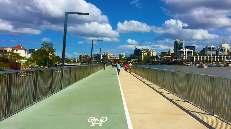 things to do in Brisbane cycle on the Riverwalk